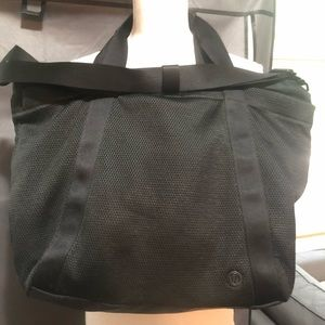 Lululemon Carry The Day Mesh Bag
